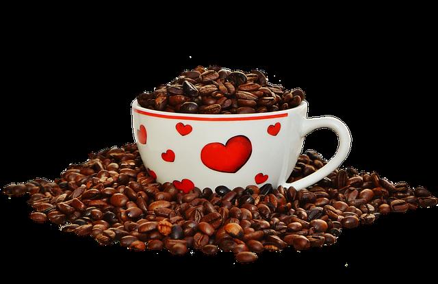 zrnka kávy v šálku