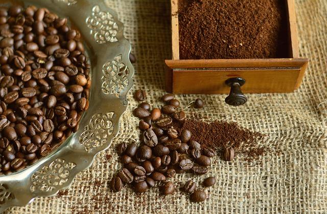 káva a šuplík