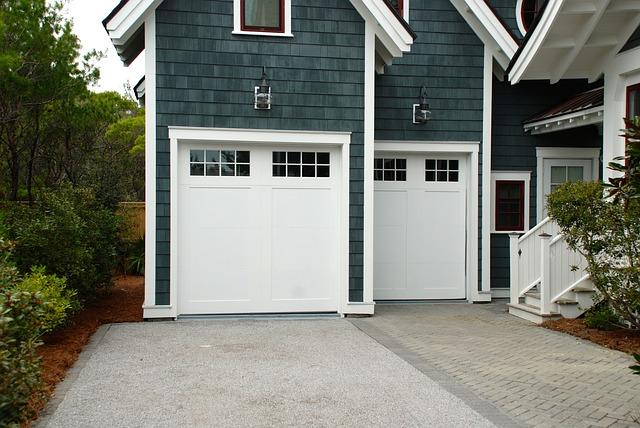 dvoje garážová vrata.jpg