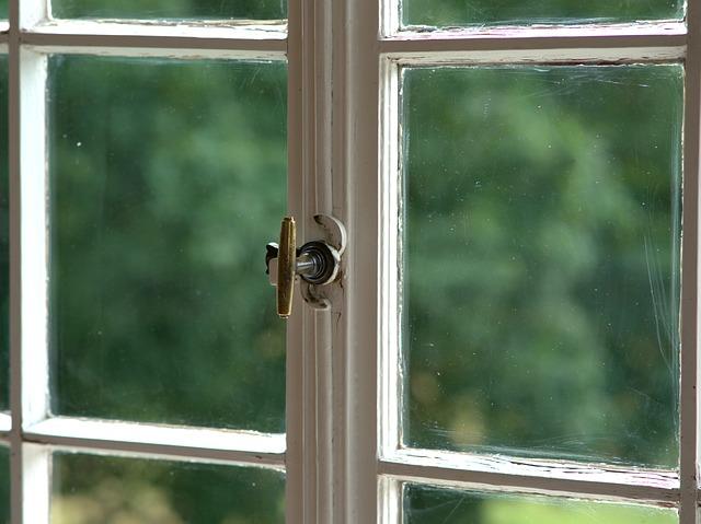 staré okno.jpg