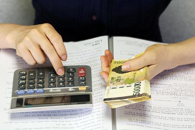 počítání hotovosti
