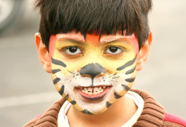 dítě maska indiána